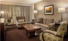 Crowne Plaza Phoenix Airport Rooms - Handicap Suite