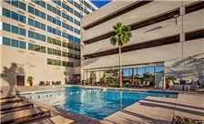 Crowne Plaza Phoenix Airport Amenities - Pool